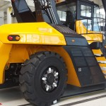 OEM SANY chooses Magna Super Solid 18.00-25 for their reach stackers.