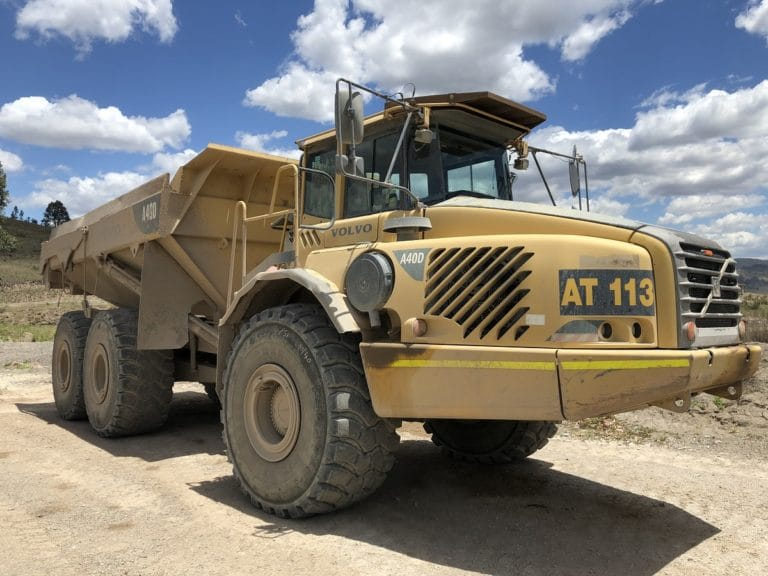 Excellent full life time performance 29.5R25 Magna MA02's at Australian mining plant