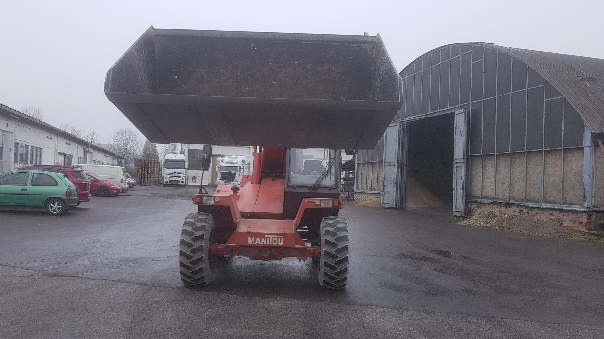 16/70-20 Magna MB260 are used for a Manitou Telescopic Handler in Germany