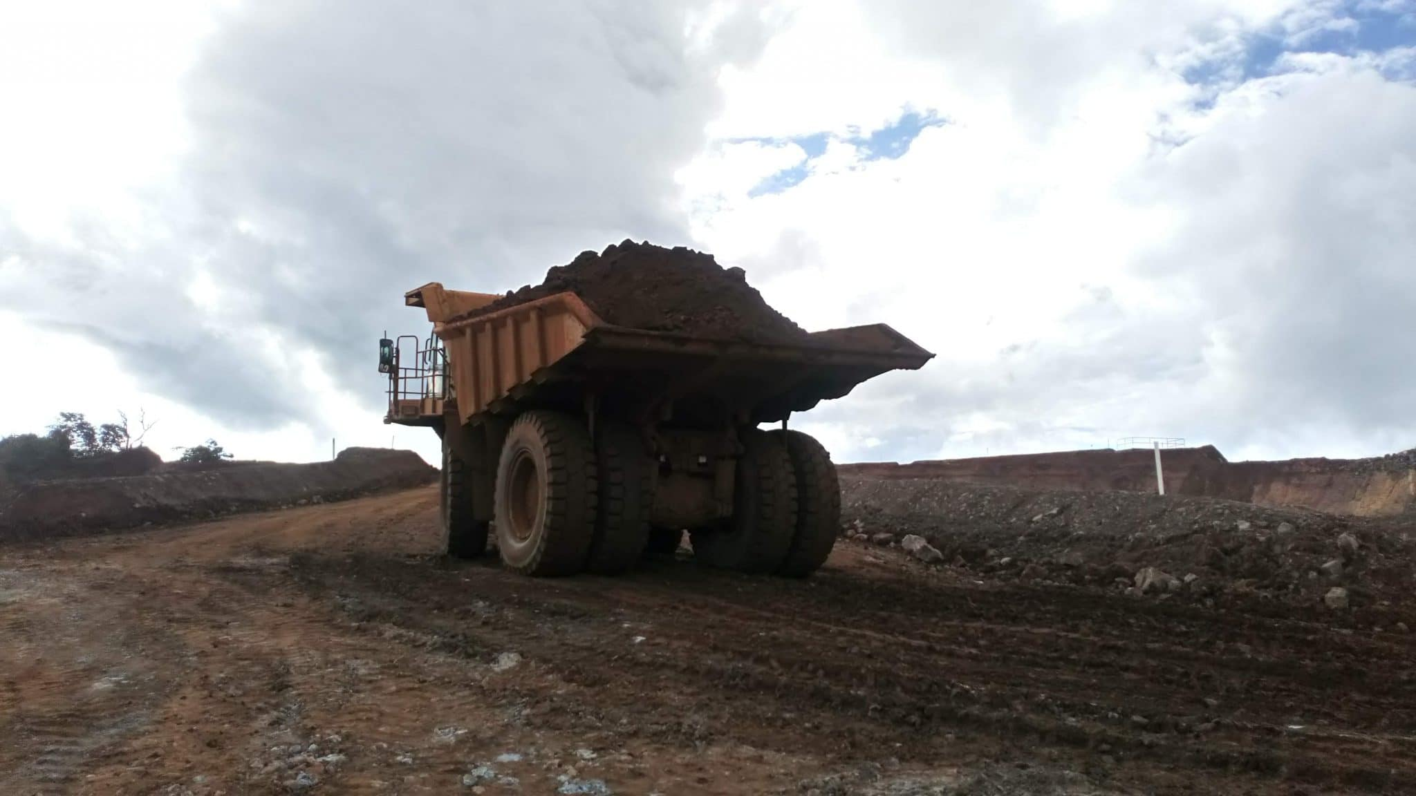 A Mining Giant in Africa using 27.00R49 Magna MA04+ GIANT for their earthmoving equipment!